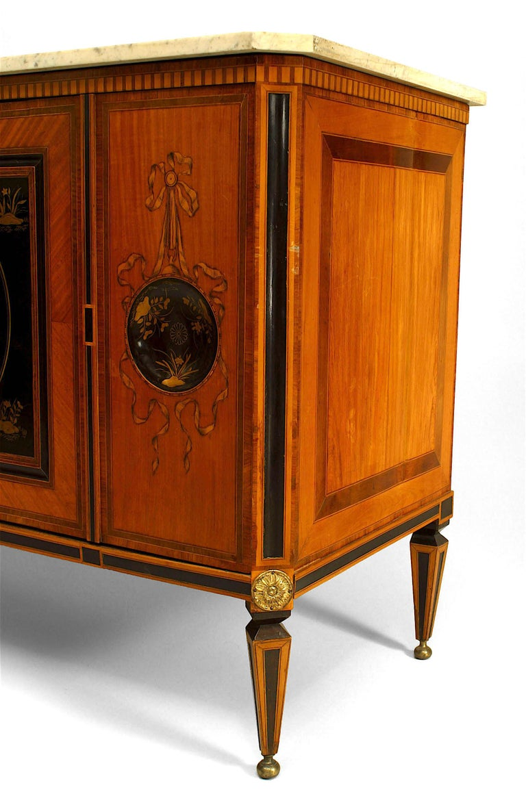 18th Century Dutch Inlaid Satinwood Commode In Good Condition For Sale In New York, NY