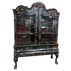 18th Century Dutch Louis XV Chinoiserie Lacquered Display Cabinet