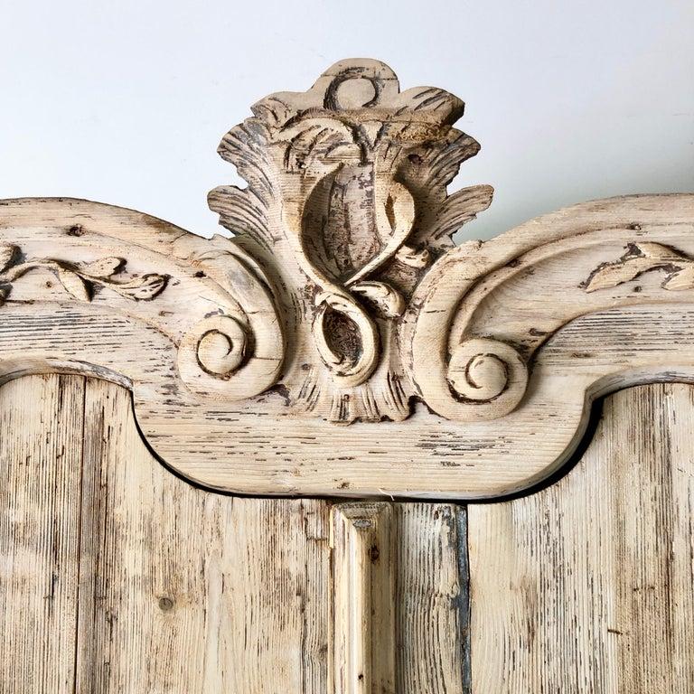 18th Century Dutch Oak Bleached Cabinet For Sale 2
