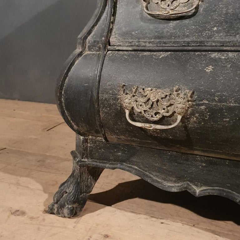 18th Century Dutch Painted Bombe Commode For Sale 1