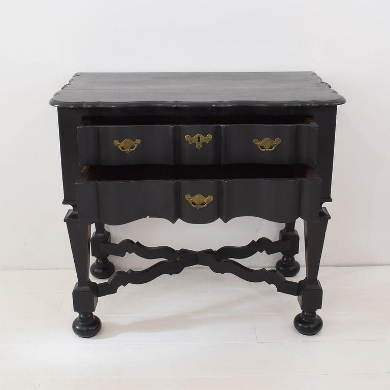 18th Century Dutch Painted Oak Chest of Drawers In Good Condition For Sale In Amsterdam, NL