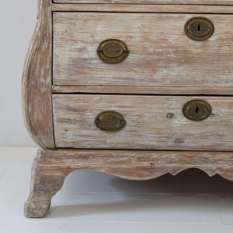 18th Century Dutch Pine Bombe Chest of Drawers For Sale 5