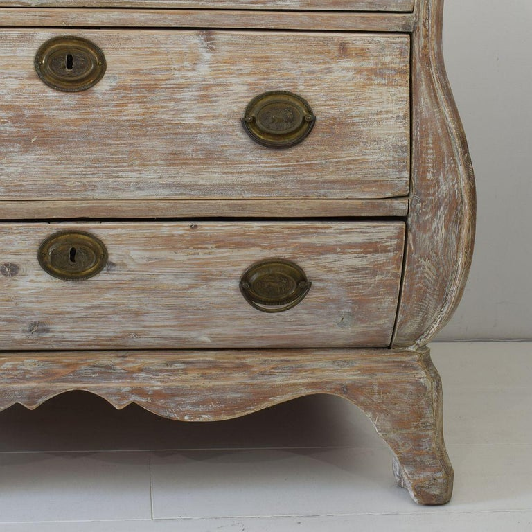 18th Century Dutch Pine Bombe Chest of Drawers For Sale 6