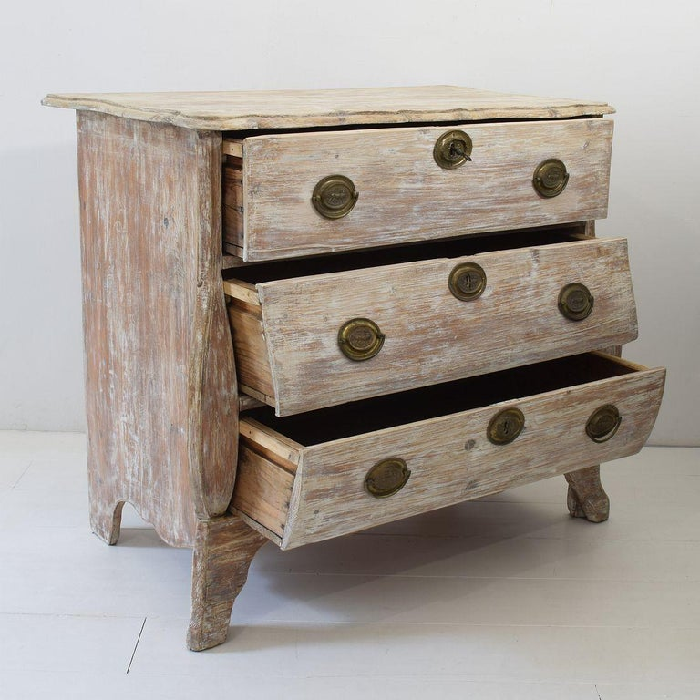 18th Century Dutch Pine Bombe Chest of Drawers For Sale 8