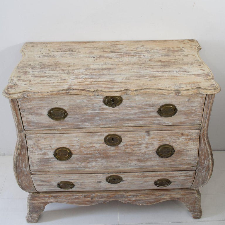 18th Century Dutch Pine Bombe Chest of Drawers For Sale 9