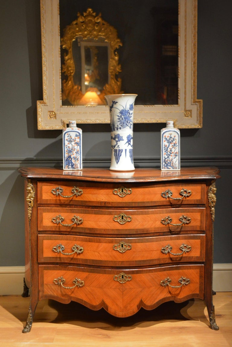 18th Century Dutch Serpentine Commode of Four Drawers 2