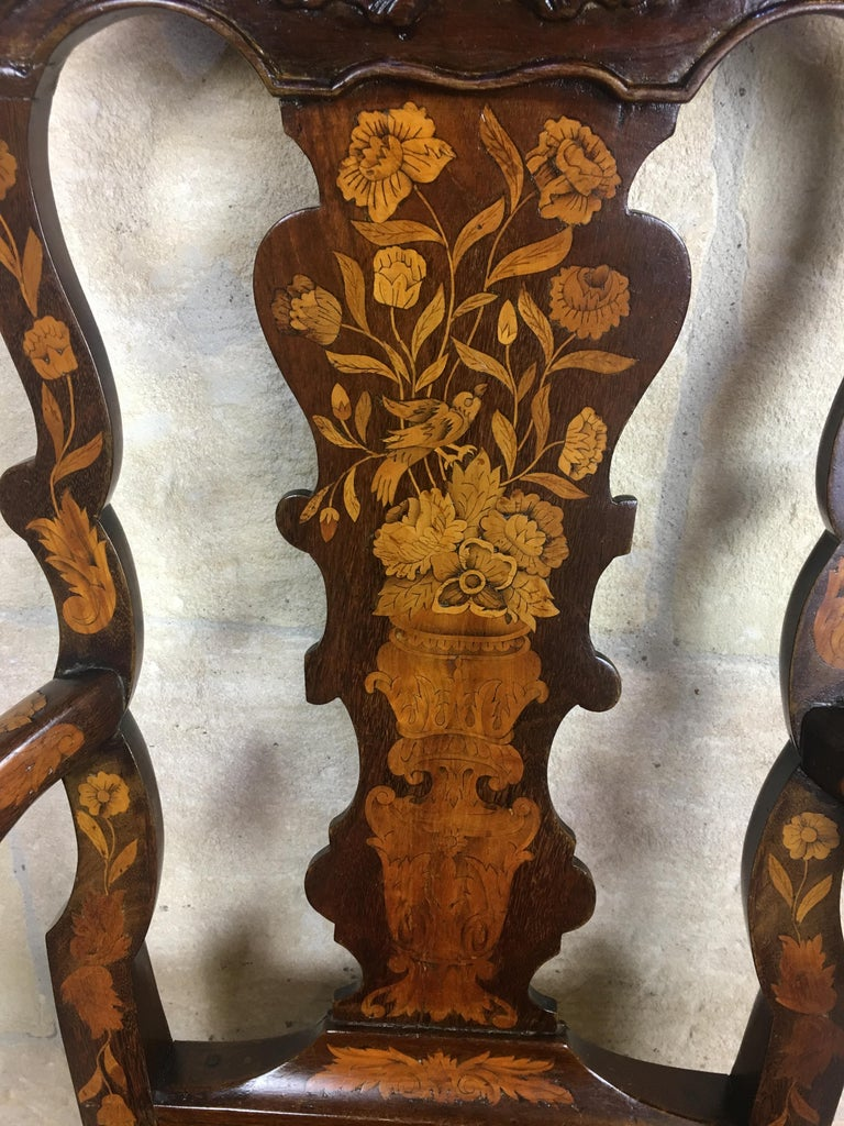 18th Century Dutch Walnut & Rosewood Armchair, Exceptional Marquetry & Carving In Good Condition For Sale In Arles, FR