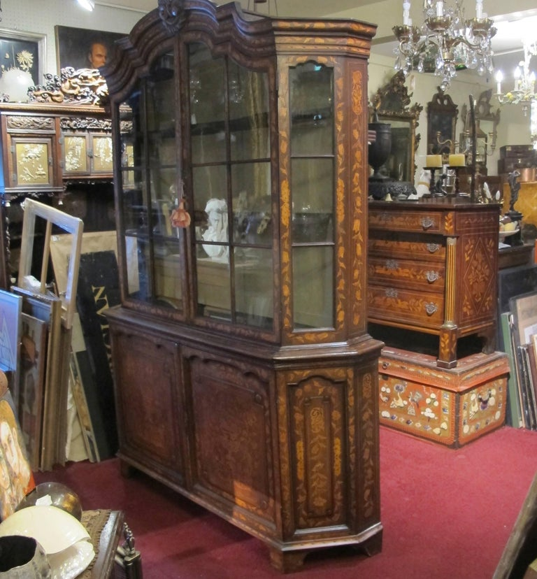 18th Century Dutch Walnut with Fruitwood Inlay Marquetry Cabinet Breakfront For Sale 6