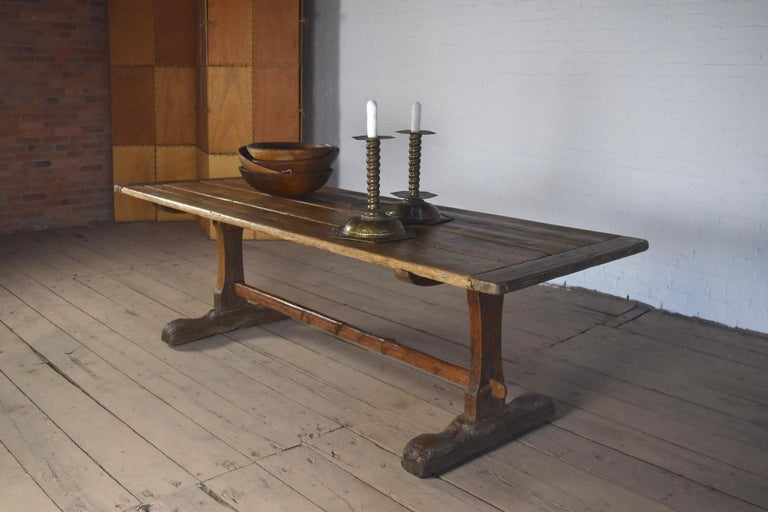 18th Century early American Rustic Pine Trestle Table For Sale 4