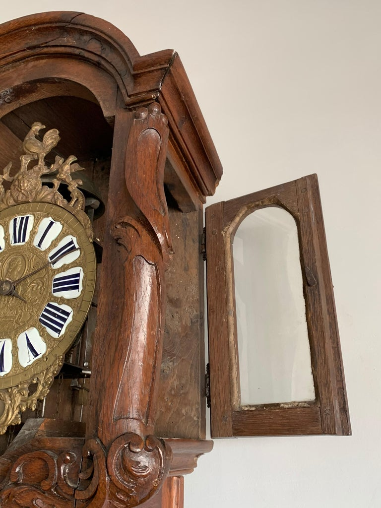 18th Century Elegant French Louis XIV Hand Carved Tall Case Clock with Rooster For Sale 3