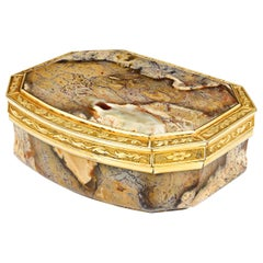 18th Century English Agate Snuff Box