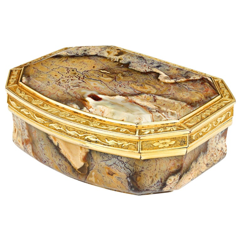 18th Century English Agate Snuff Box For Sale