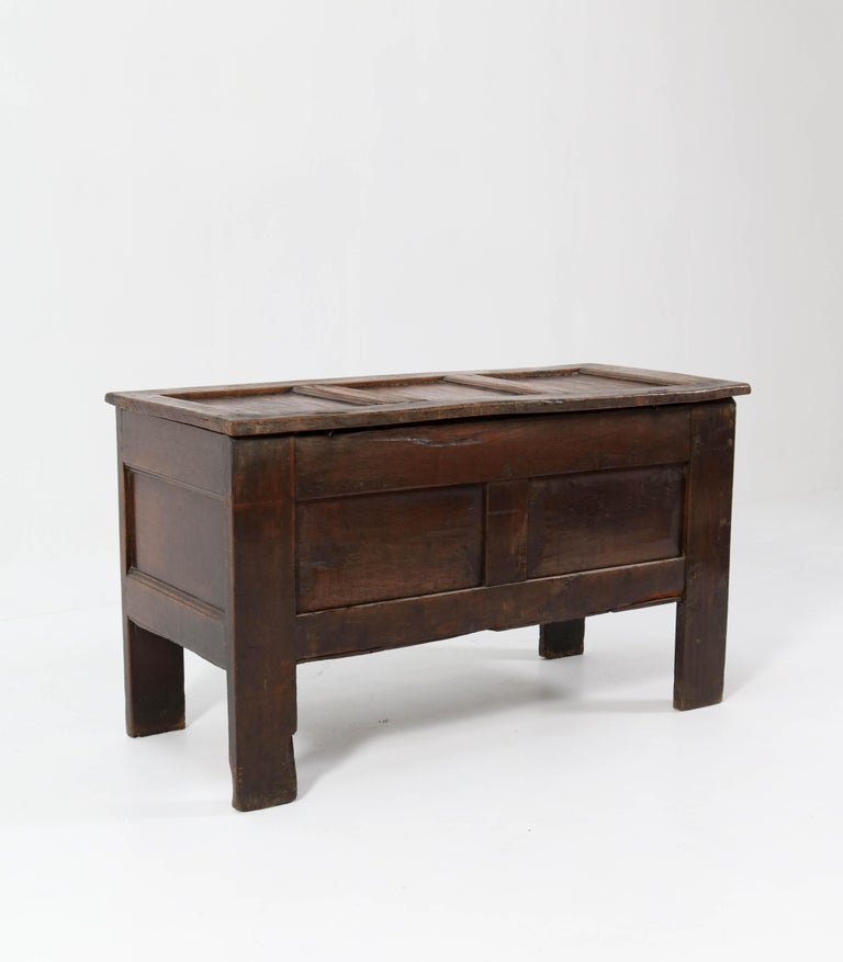 Early 18th Century 18th Century English Carved Oak Blanket Chest or Coffer For Sale
