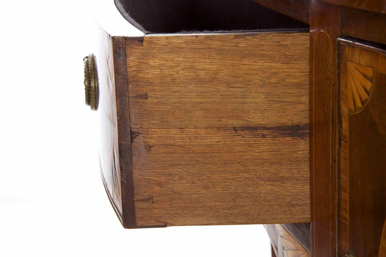 18th Century English George III Inlaid Mahogany Bowfront Antique Sideboard For Sale 11
