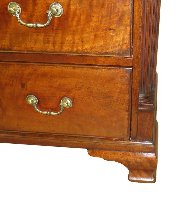 18th Century English North Country Walnut Chest of Drawers For Sale 1