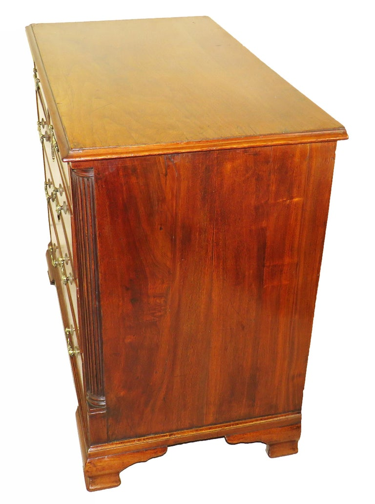 18th Century English North Country Walnut Chest of Drawers For Sale 2