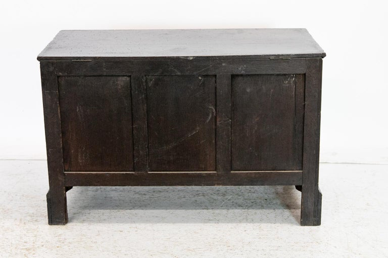 18th Century English Oak Blanket Chest For Sale 3