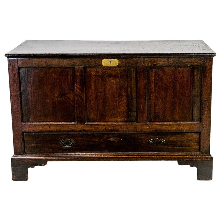 18th Century English Oak Blanket Chest For Sale