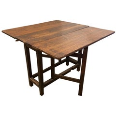 18th Century English Oak Gate Leg Folding Table