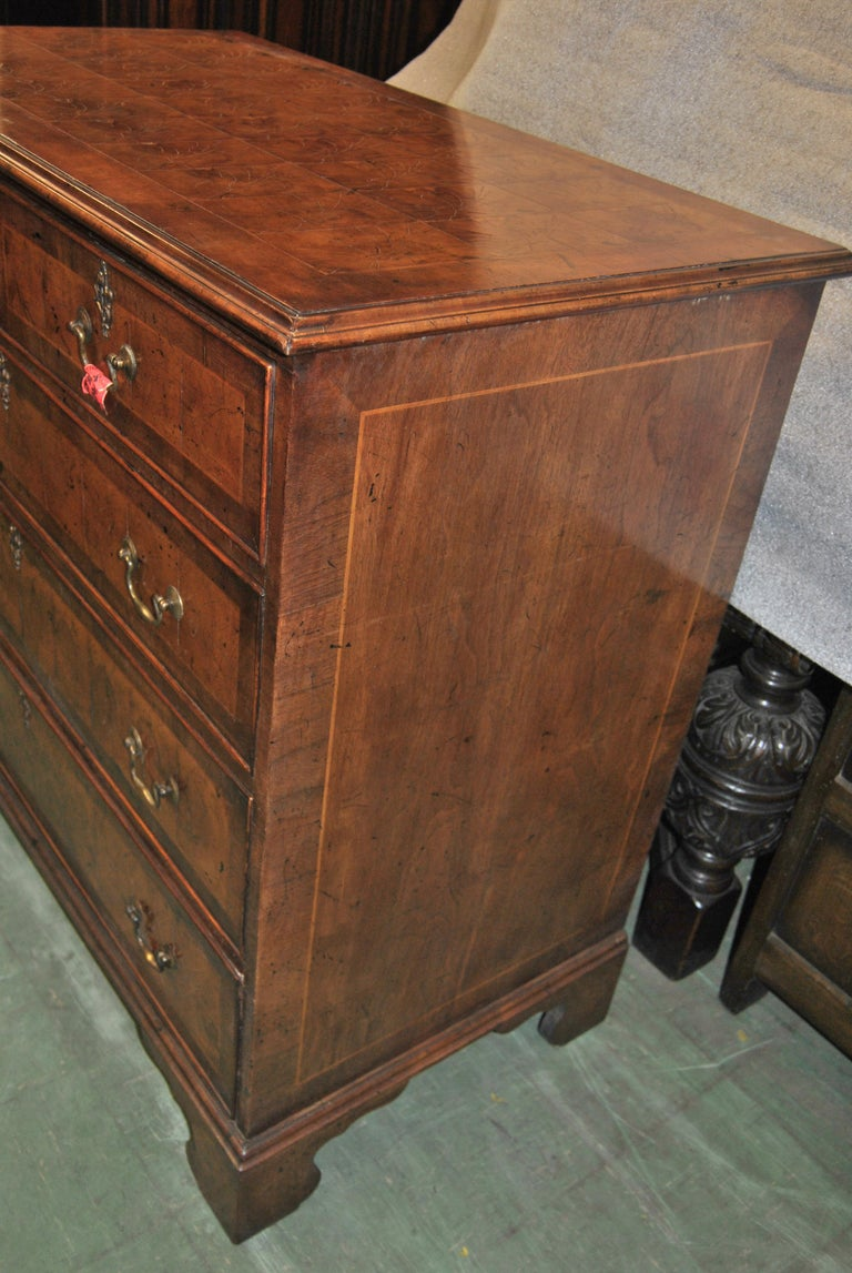 18th Century English Oyster Walnut Chest of Drawers For Sale 2