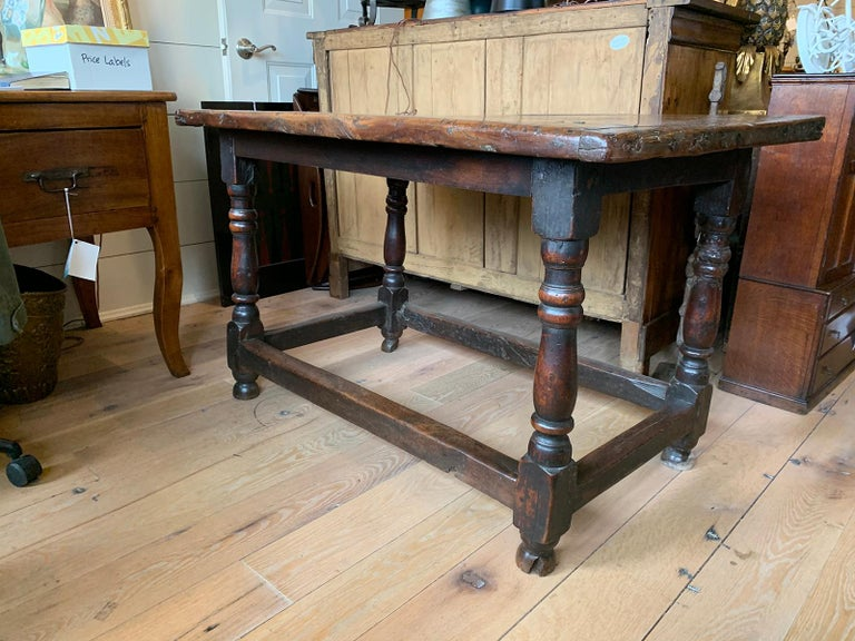 18th Century English Walnut Hall Table with Four Sided Stretcher In Good Condition For Sale In Atlanta, GA