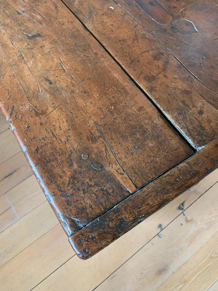 18th Century English Walnut Hall Table with Four Sided Stretcher For Sale 2