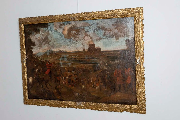 18th Century European Oil Painting of a Battle Scene with a Carved Gilt Frame In Fair Condition For Sale In London, GB