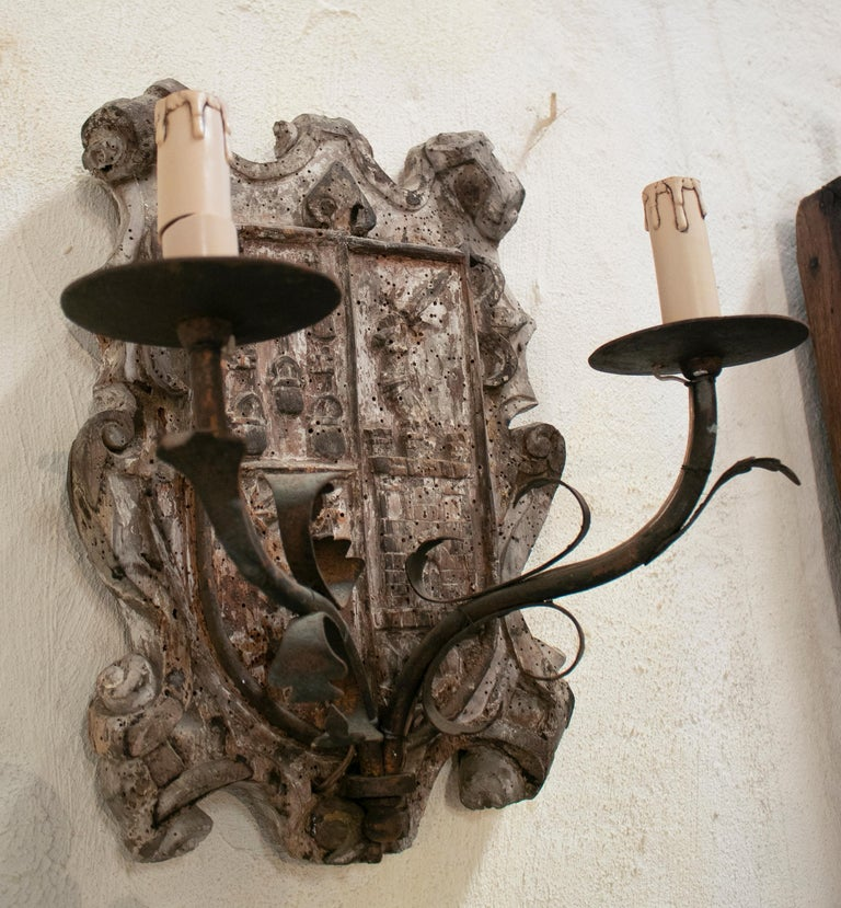 Iron 18th Century European Pair of Wood Crest Two-Arm Sconce Wall Lamps For Sale