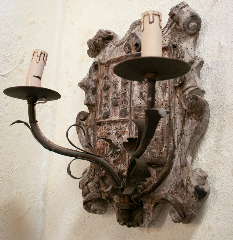 18th Century European Pair of Wood Crest Two-Arm Sconce Wall Lamps For Sale 1