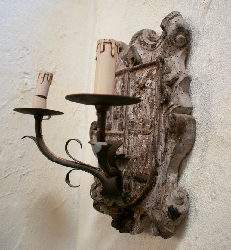 18th Century European Pair of Wood Crest Two-Arm Sconce Wall Lamps For Sale 5