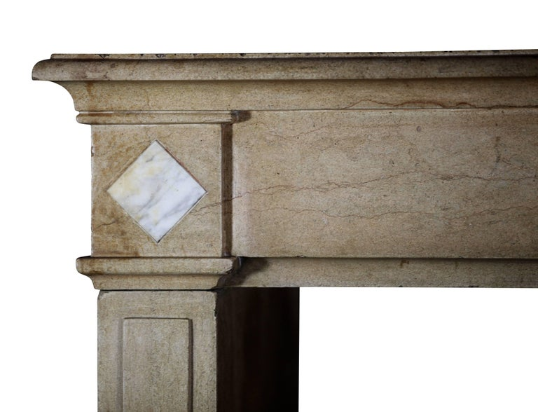 18th Century Fine French Classic Antique Fireplace Stone and Marble Surround In Excellent Condition For Sale In Beervelde, BE