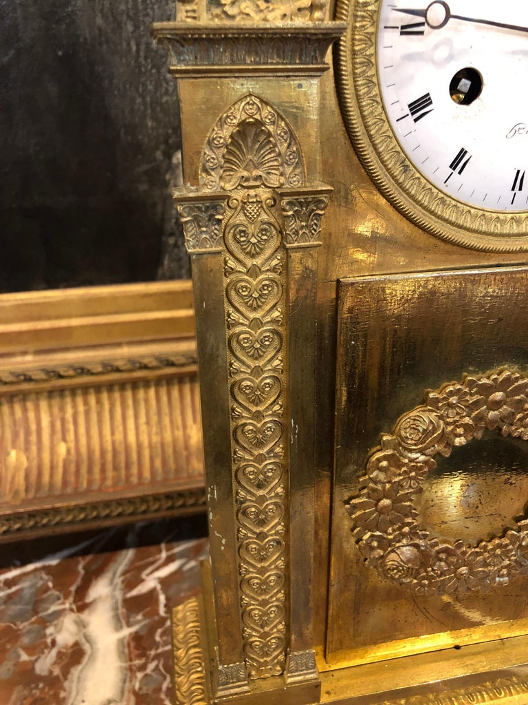 French 18th Century France Louis XVI Gilt Mantel Clock by Lepine, 1790s For Sale