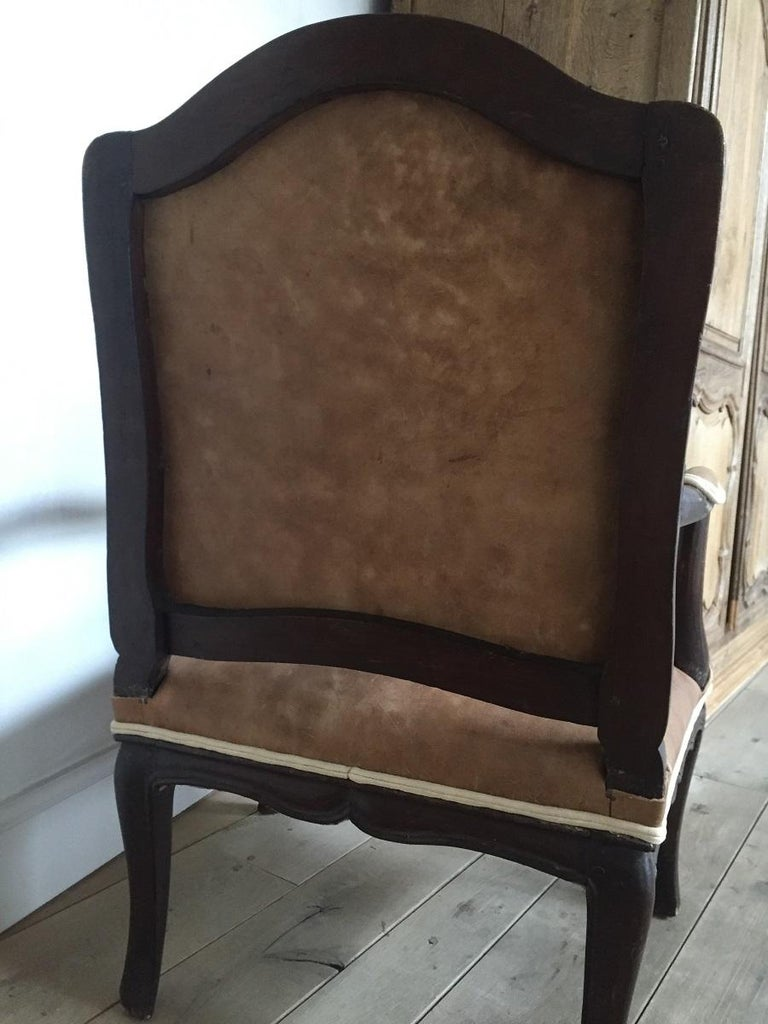 18th Century French Armchair Leather and Walnut For Sale 2
