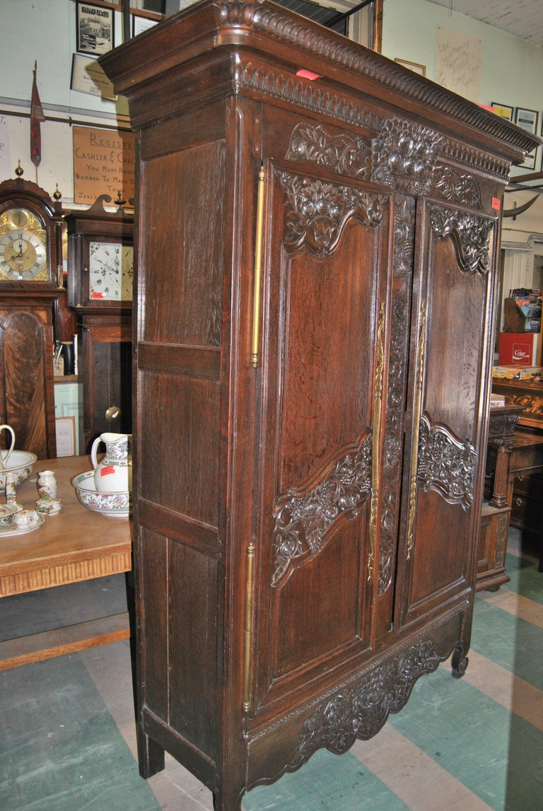 18th Century French Carved Oak Armoire For Sale 4