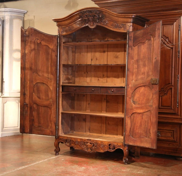 Hand-Carved 18th Century French Carved Walnut Wedding Armoire from Provence For Sale