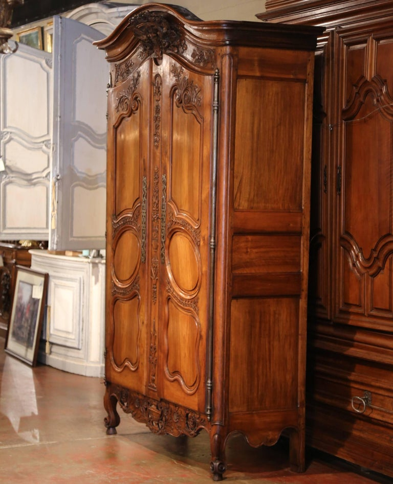 18th Century French Carved Walnut Wedding Armoire from Provence For Sale 2