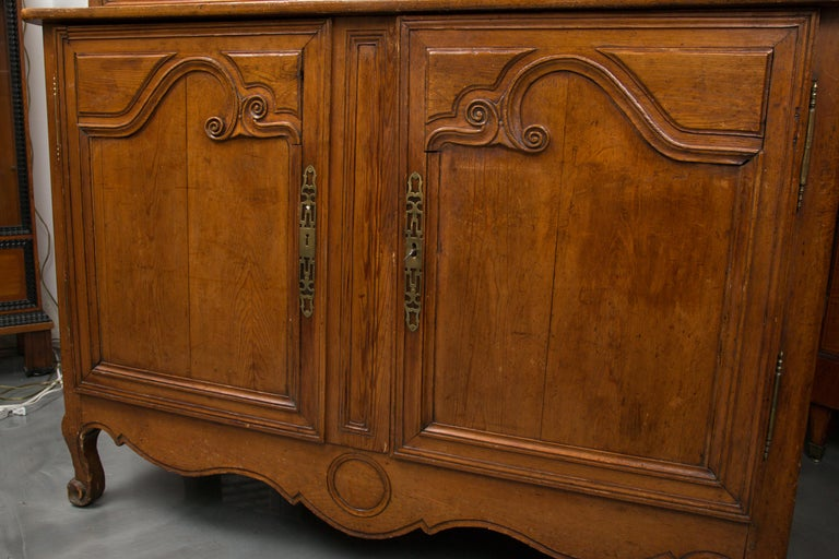 18th Century French Cherry Buffet a Deux Corps For Sale 6