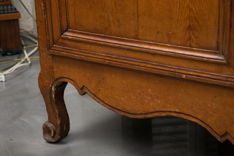 18th Century French Cherry Buffet a Deux Corps For Sale 7