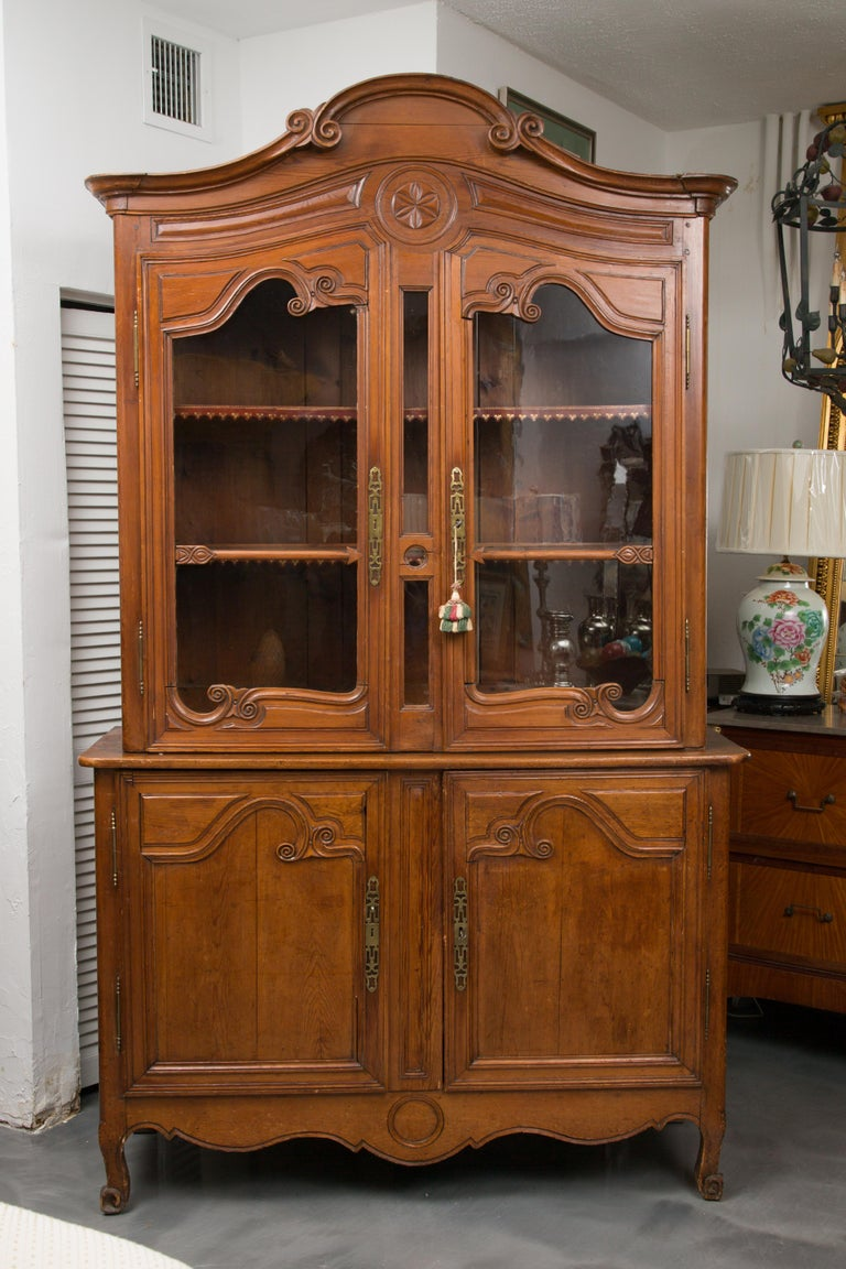 18th Century French Cherry Buffet a Deux Corps For Sale 12