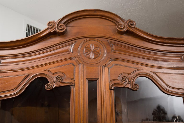 18th Century French Cherry Buffet a Deux Corps For Sale 13