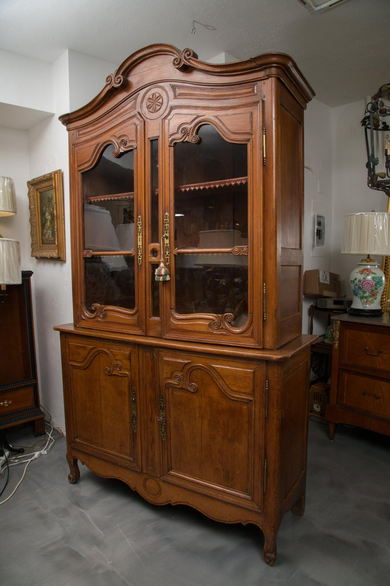 18th Century French Cherry Buffet a Deux Corps For Sale 2
