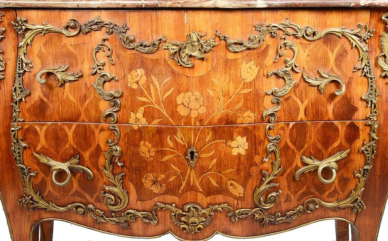 18th Century French Commode In Excellent Condition For Sale In Brighton, Sussex