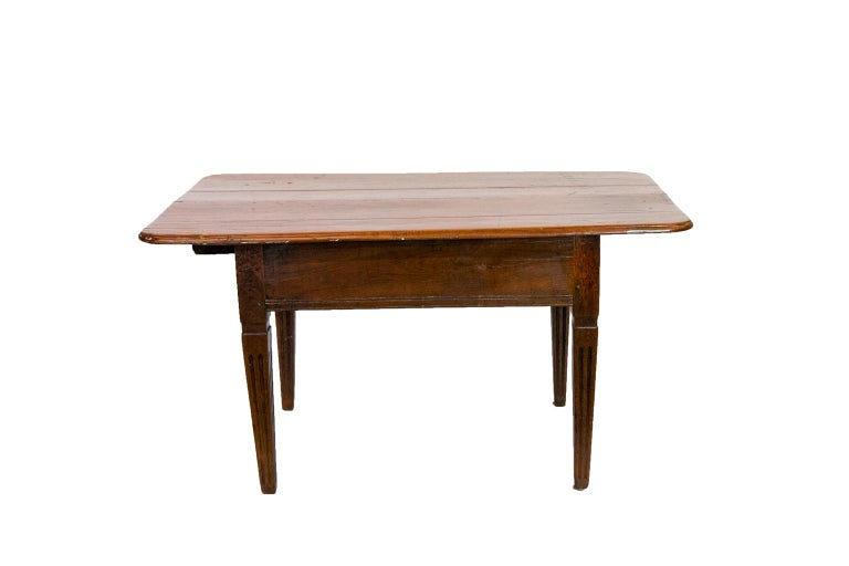18th Century French Fruitwood Work Table For Sale 8