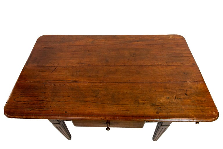 18th Century French Fruitwood Work Table For Sale 2