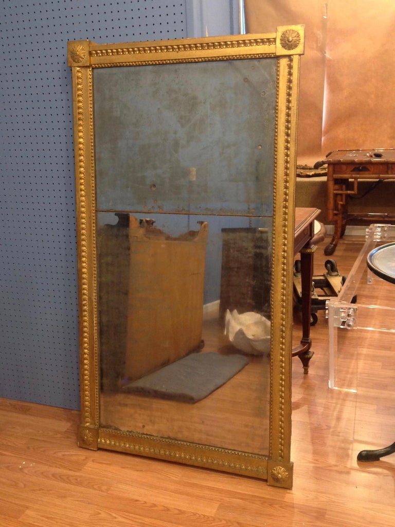 18TH Century French Gilt Wood Mirror  In Good Condition For Sale In West Palm Beach, FL