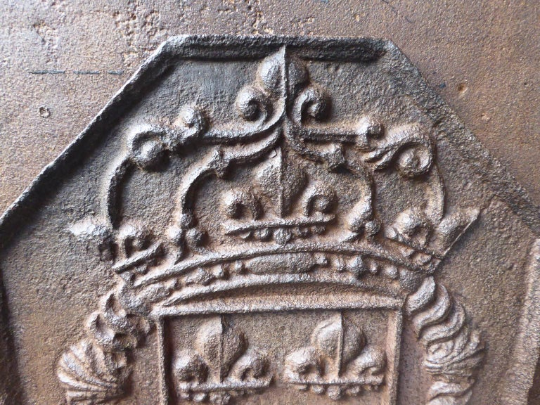 18th Century French Louis XIV Fireback with the Coat of Arms of France In Good Condition For Sale In Amerongen, NL