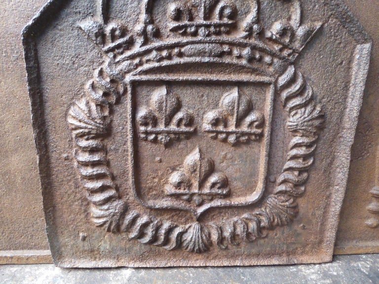 18th Century and Earlier 18th Century French Louis XIV Fireback with the Coat of Arms of France For Sale