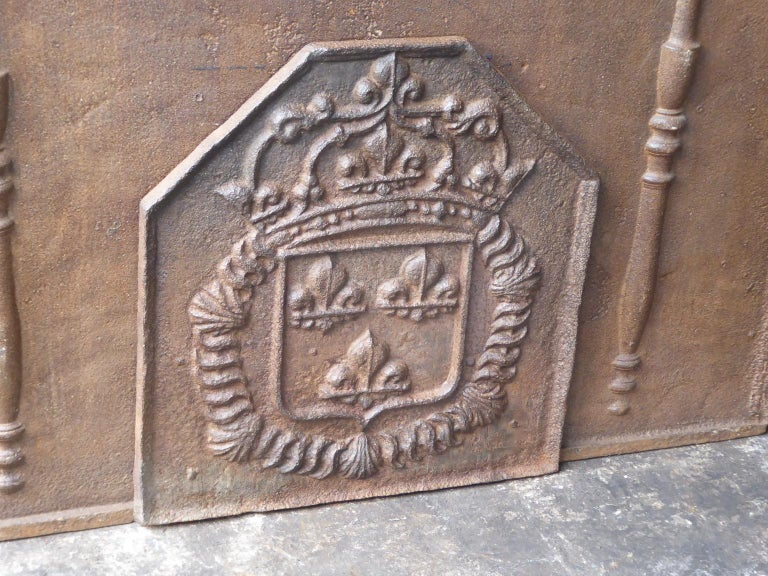18th Century French Louis XIV Fireback with the Coat of Arms of France For Sale 1