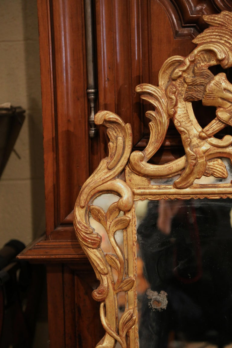 18th Century French Louis XV Carved Giltwood Mirror from Provence In Excellent Condition In Dallas, TX