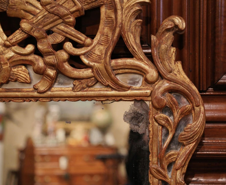 18th Century French Louis XV Carved Giltwood Mirror from Provence 4